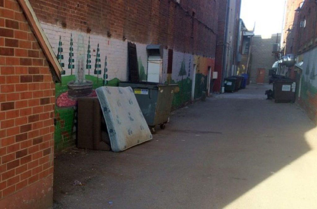 oskaloosa, the alley